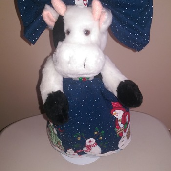 "12"" Christmas Cow & Teddies"
