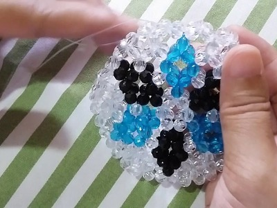 How to Bead a Hexagonal Wallet with Petal like Design Part 3