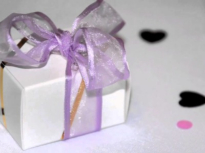How to Decorate the Gift Registry Table for a Wedding
