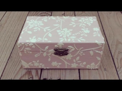 Caja decorada con relieve y chalk paint