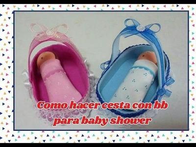 Cesta con bebe para baby shower