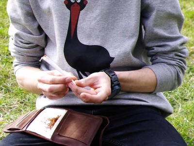 Elf Bread 1.2 - ROLLING TOBACCO POUCH (HOW TO ROLL A HAND ROLLED CIGARETTE)