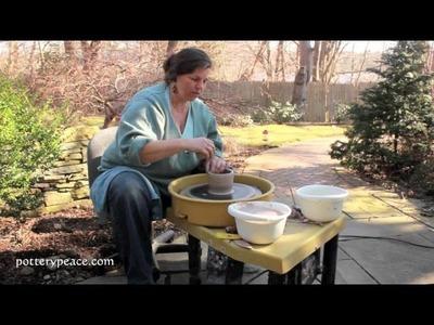 How to Make a Mug on the Pottery Wheel