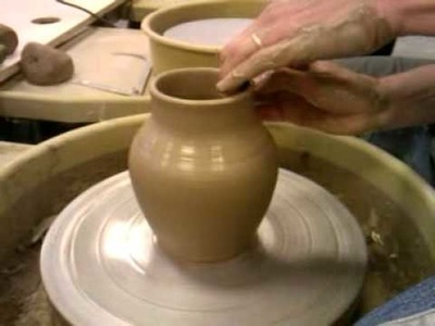 How to properly throw a vase on a pottery wheel