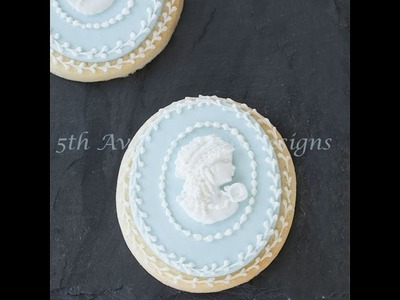 How to Create a Dimensional Cameo on a Sugar Cookie