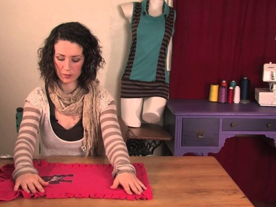 How to Knot Up Your Shirt Along the Side : DIY Shirt Designs