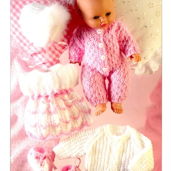 Lovely Easy knitting pattern for Dolls Clothing- to fit