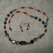 Black accent necklace