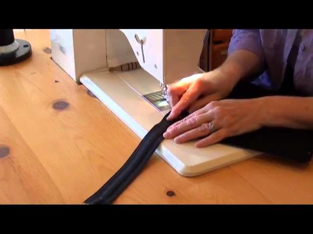 4. Make A MiPad Case: Attach A Zipper to the Outer Pocket