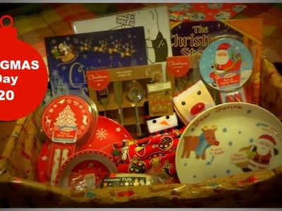 Christmas Eve Basket!   VLOGMAS DAY 20