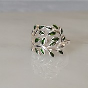 Green leaf ring, 925 sterling silver ring, delicate rin, leaf jewelry, 925 silver jewelry, statement ring, nature ring, silver green ring