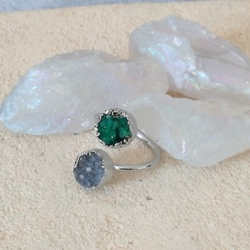 Raw green grey quartz stone ring, Raw ring, geode ring, green quartz ring, ring boho jewelry, statement ring, quartz jewelry,grey raw quartz