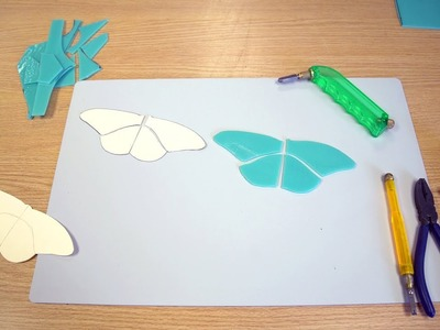 Glass Cutting for Mosaics