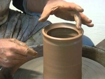 How to Throw a Storage Jar with a Rolled 'van Gilder Style' Gallery