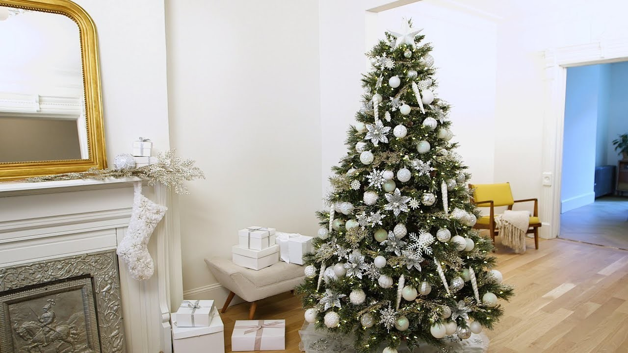 How to Decorate Your Christmas Tree in Winter White- Martha Stewart