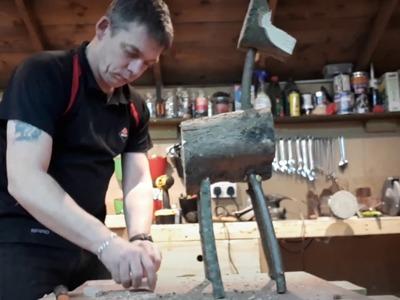 How to make a Christmas reindeer?