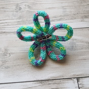Hand Knitted Green Variegated Daisy Brooch