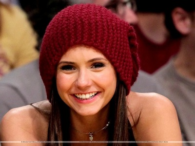 How to Knit a Flat Hat ( Nina Dobrev Style)