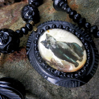 Black resin necklace