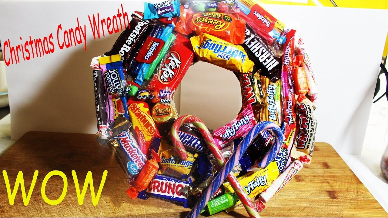 HOW TO DIY CANDY CHRISTMAS WREATH CRAFT!!!!!