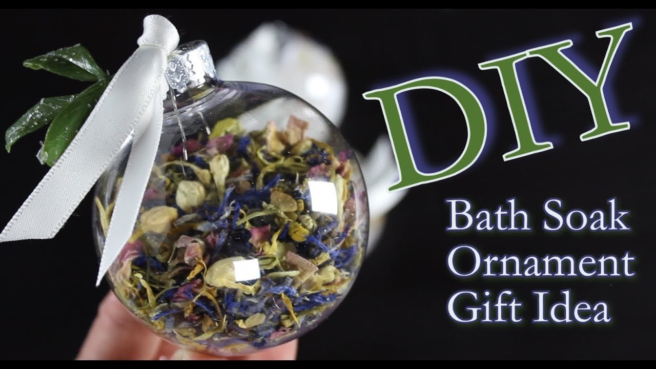 DIY Ornament Idea | How To Make An Ornament Filled With Bath Soak