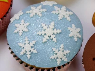 How To Make An Elegant Snowflake Studded Cupcake