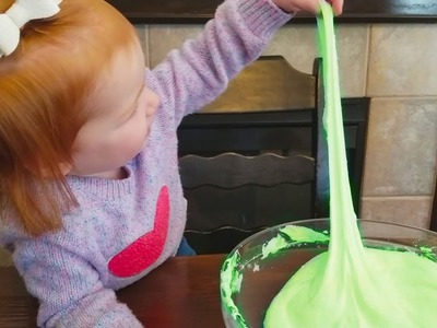 DIY Christmas slime challenge