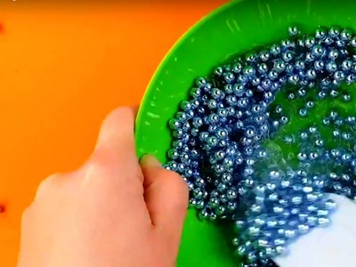 Making crunchy slime with balloons and metallic beads - Slime Channel -