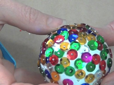 How to make a sparkly Christmas bauble