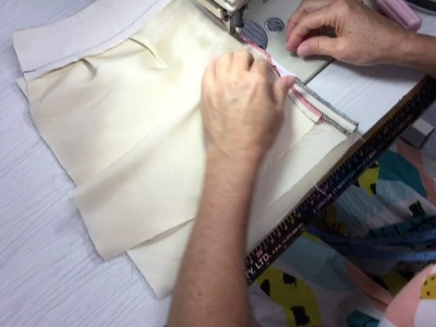 Bagging out facing and lining around an invisible zip