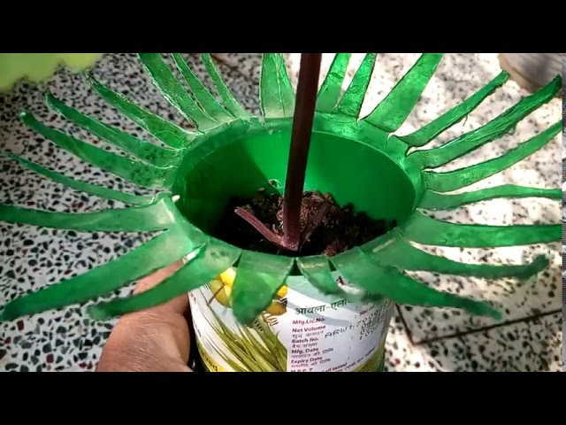 568 - Easy method to make Beautiful Long Life Planter from waste material (Hindi.Urdu) 15.11.17