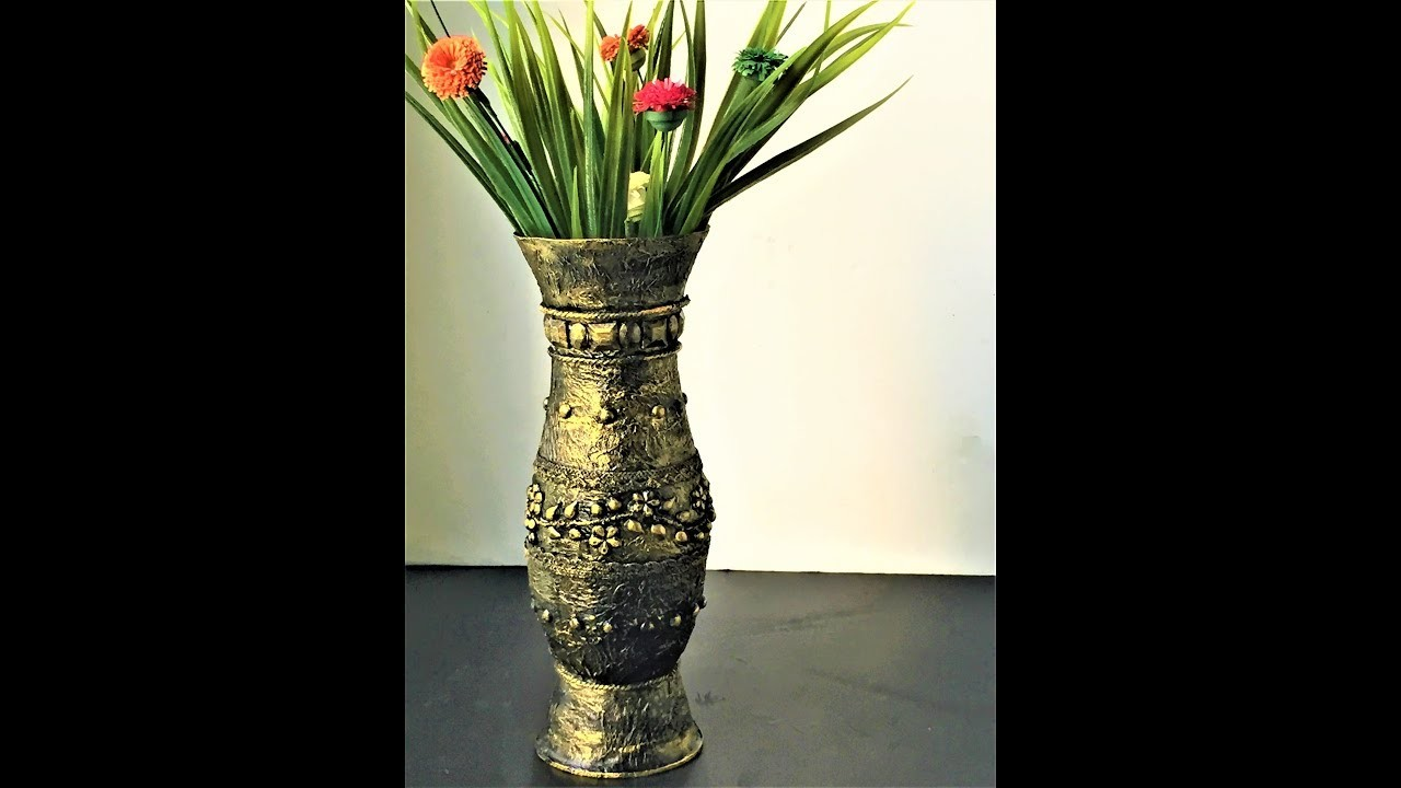 Diy antique look vase out of waste plastic bottles for Home decor using plastic bottles