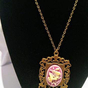 Vintage Style Antique Bronze Purple Cameo Pendent Necklace.