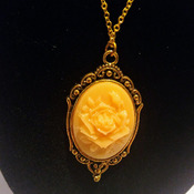 Vintage Style Gold Platted Chain With Rose Gold Frame Yellow Cameo Pendent Necklace