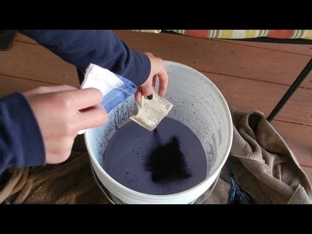 How To: Dye Jeans!