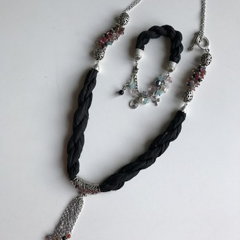 Black and Silvery Necklace and bracelet
