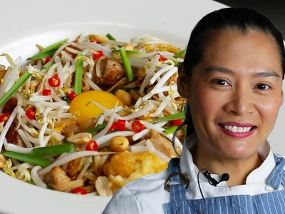 How to Cook The Best Pad Thai With Hong Thaimee
