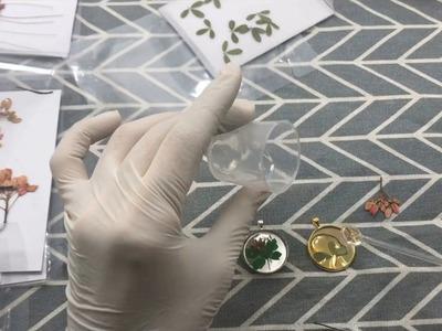 DIY Handmade pendant resin with real flowers - Resin Tutorial