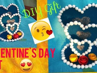 DIY Valentine's day Gift.  Handmade Gift idea. DIY showpiece .