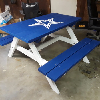 4' childrens picnic table (Teams)