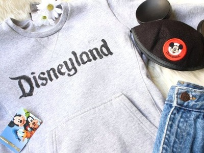 DIY Vintage Disneyland Sweater. DISNEY DIY ✨