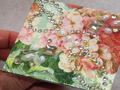 How to Decoupage a Compact Mirror
