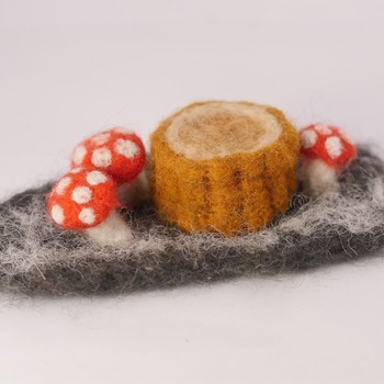 Mushroom Tree Stump Needle Felted Grass Ornament Cute Felt Home Decor Handmade