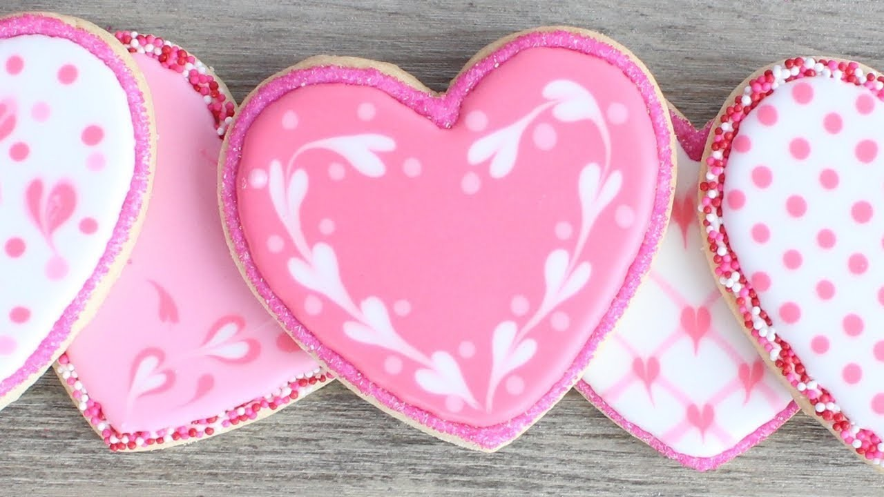 How To Decorate Cookies for Valentine's Day - Easy Valentine's day cookies