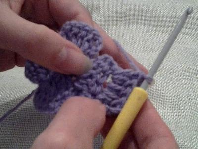Tumbling Blocks Get Square (var01) Crochet Blanket - Round 3 demonstrated