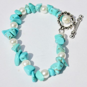 Turquoise Stone and Glass Pearl Bead Bracelet