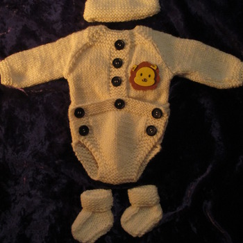 Hand knitted Bodysuit for Baby Reborn 17-19 Inch Doll Lion Motif