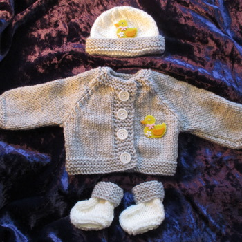 Hand knitted Jacket Hat & Socks set for Baby Reborn 17-19 Inch Doll Grey/Duck