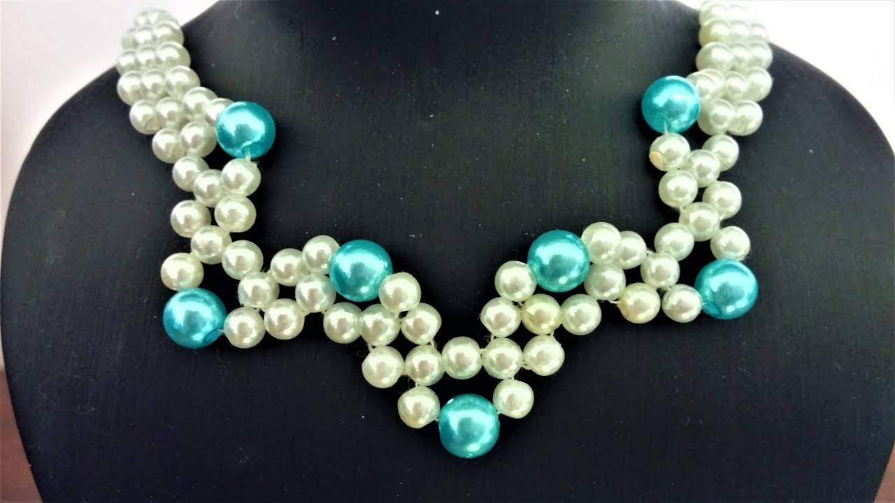 Easy and elegant DIY necklace.  How to make a necklace with pearl beads.