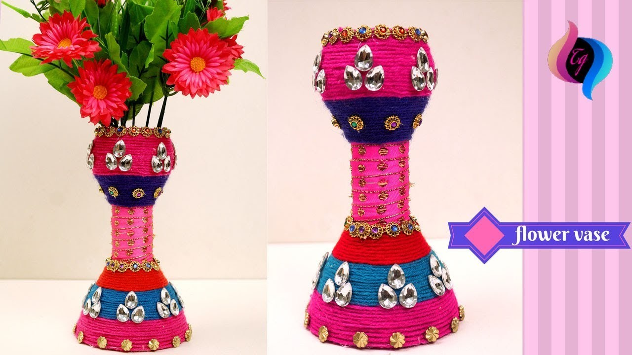 DIY - Flower vase made with recycled plastic bottle - How to make a Flower Vase Made Of Plastic Bottle on animals made of plastic bottles, wall art made of plastic bottles, lamp made of plastic bottles, baskets made of plastic bottles,